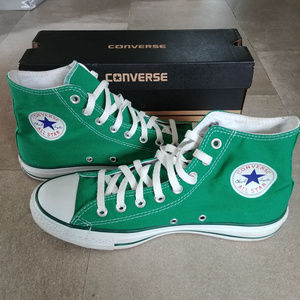 Other - Converse Chuck Taylor All Star High Tops - Mens 9